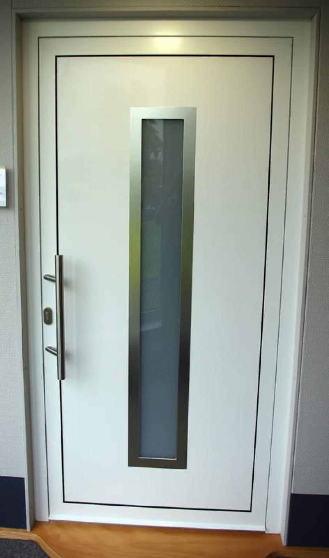 Aluminium-Haustüre, einflügelig, falzfüllend